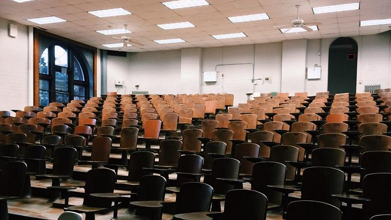 A picture of an empty classroom