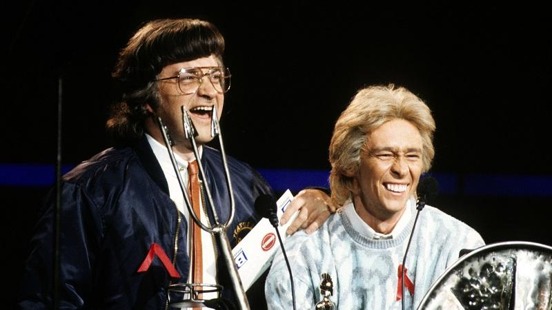 Image of Harry Enfield and Paul Whitehouse in character as radio DJs Smashie and Nicey