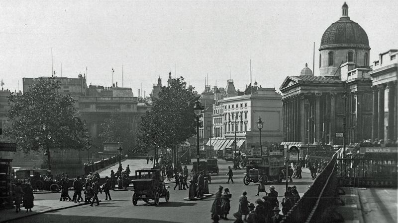 An image of London's Trafalgar Square, as viewed from its north side, dating from about 1922