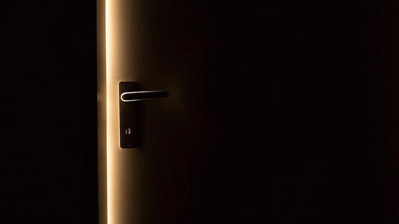 Dark door handle