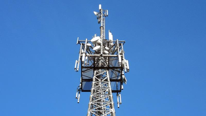 An image of the top part of a mobile telecoms mast